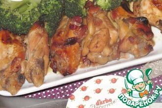 Рецепт: Крылышки в клюквенном соусе