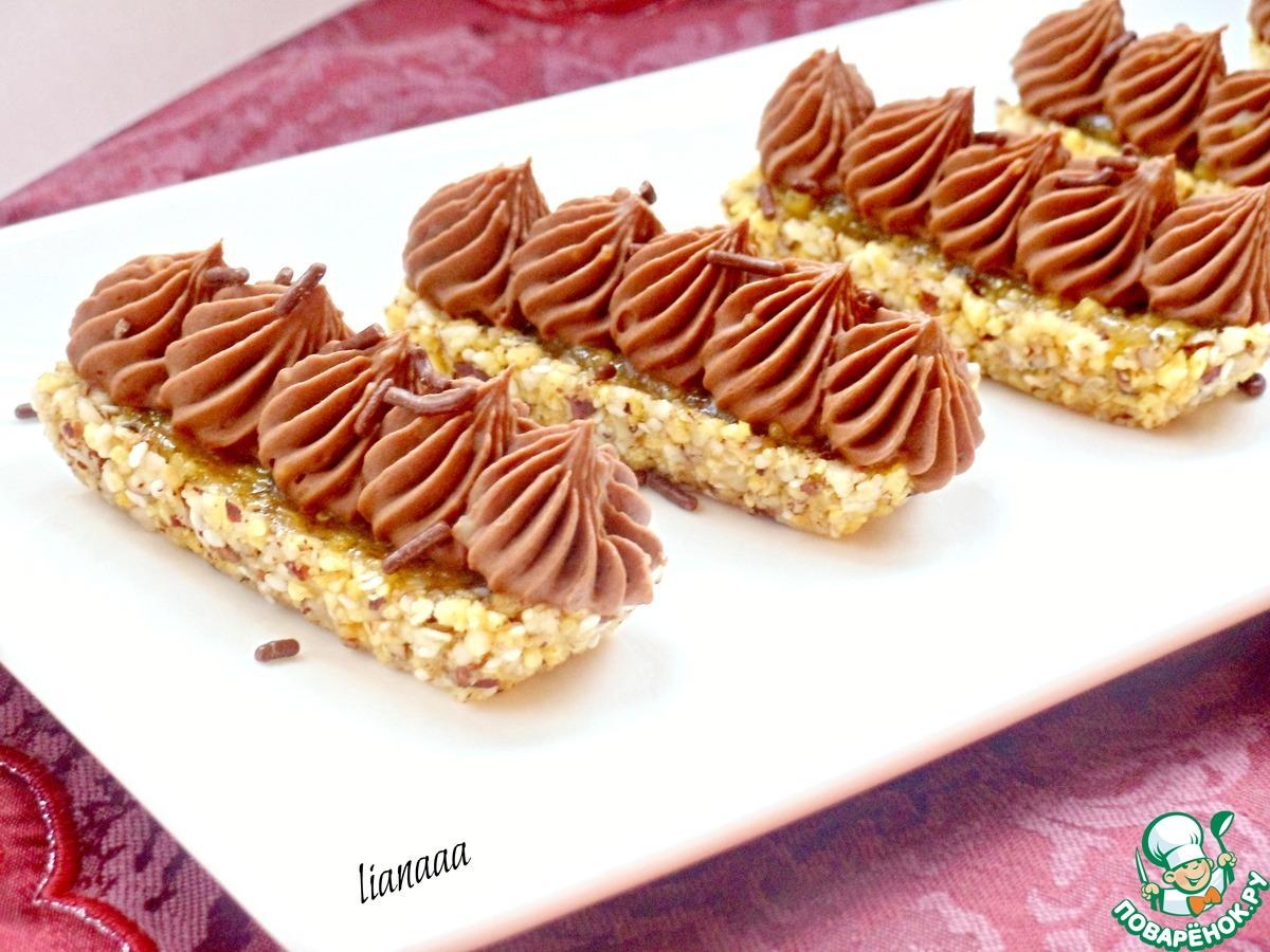 Ореховое пирожное с шоколадным кремом