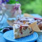 Простой и быстрый пирог со сливами