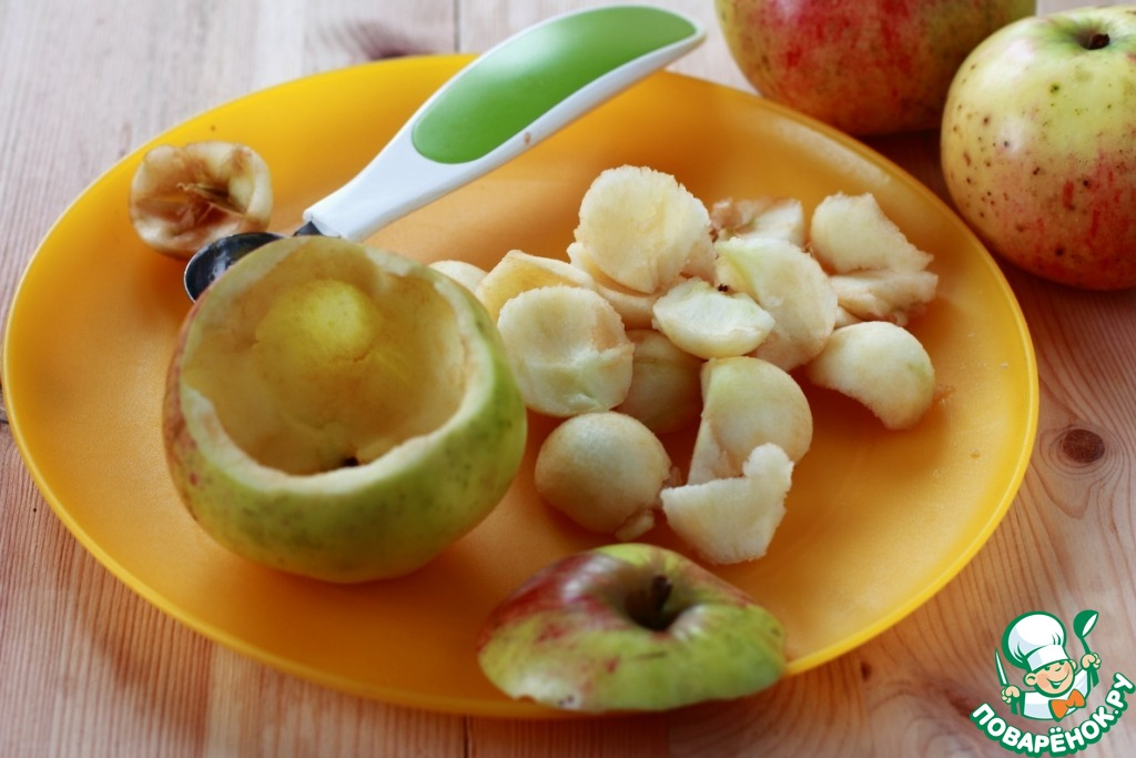 Запеченные яблоки, фаршированные рисом