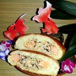 Пирог с лососем и рисом