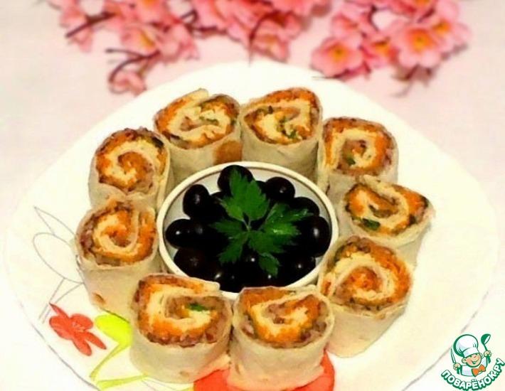 Рецепт: Роллы с фасолью, овощами, зеленью и сыром