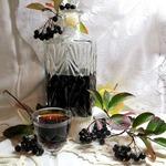Настойка из черноплодной рябины Юрковка