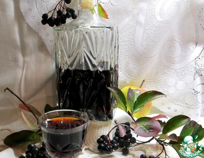 Рецепт: Настойка из черноплодной рябины Юрковка