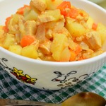 Картофель с курицей и овощами в мультиварке