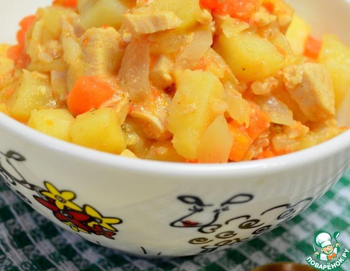 Рецепт: Картофель с курицей и овощами в мультиварке