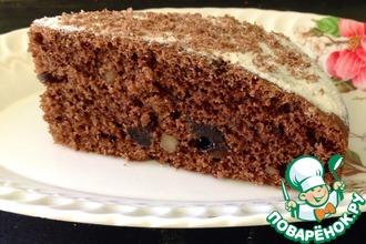 Рецепт: Постный шоколадный пирог с черносливом и орехами