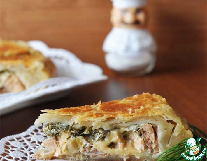 Рецепт: Пирог из слоёного теста с лососем и моцареллой