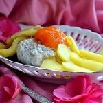 Овсяно-творожный крем с жареными фруктами и джемом
