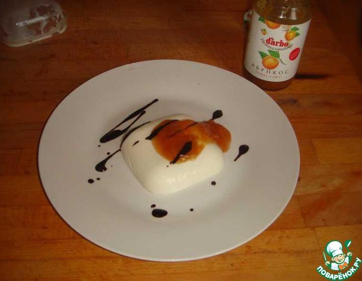 Рецепт: Классическая панна-котта с абрикосовым джемом