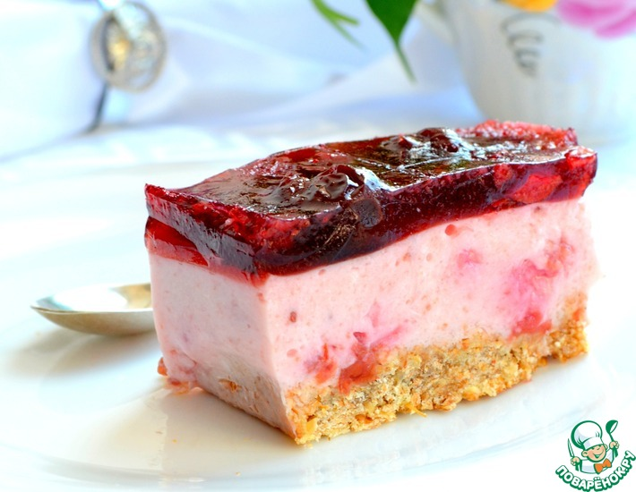 Рецепт: Вишнево-йогуртовые пирожные