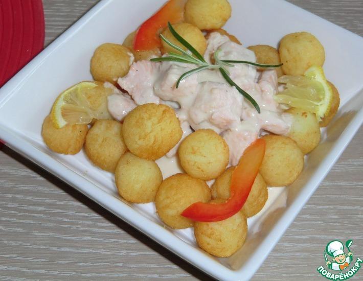 Рецепт: Лосось с белым соусом
