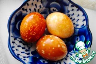 Рецепт: Мраморные и пятнистые яйца для пасхального стола