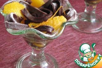 Рецепт: Лапша из горького шоколада с карамельно-апельсиновым соусом