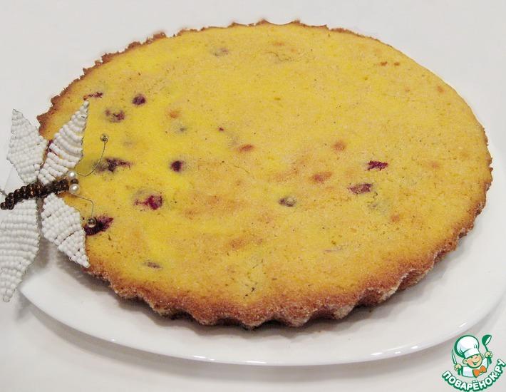 Рецепт: Кекс на сыворотке из кукурузной крупы с вишней