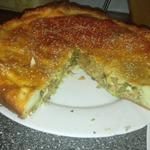 Пирог с капустой, яйцами и зеленью