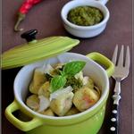 Картофельные ньокки с лососем и пармезаном