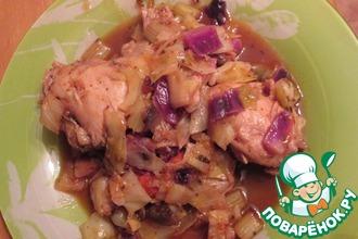 Рецепт: Тушеная капуста с бедрышками