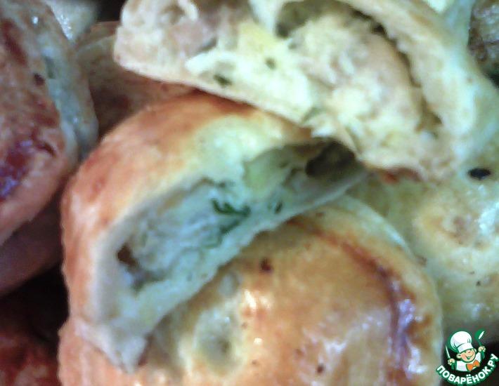 Рецепт: Слоеные пирожки с лососем, укропом и картофелем