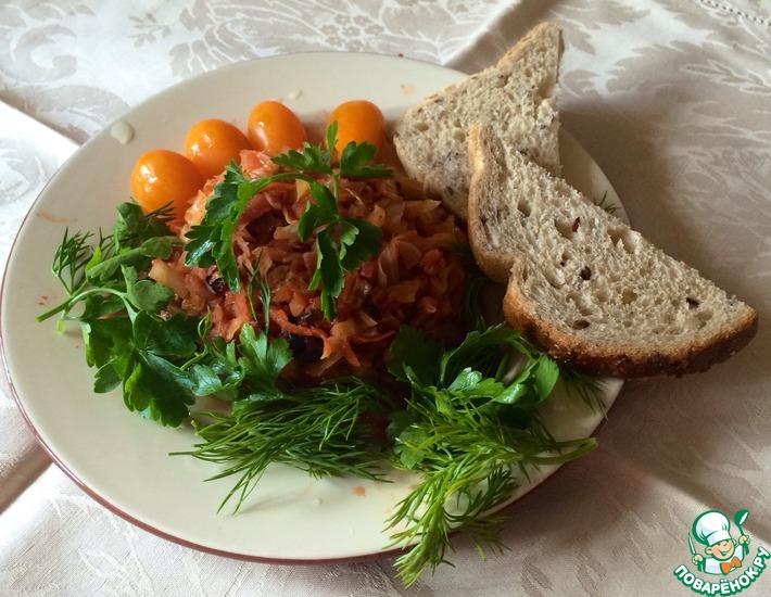 Рецепт: Тушеная капуста с ягодами