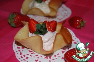 Рецепт: Пирожные «Белковые корзиночки с кремом»