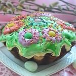 Пасхальный кулич Цветочная поляна с шоколадным сюрпризом