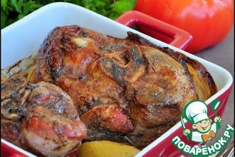 Рецепт: Свиная рулька, запеченная с яблоками