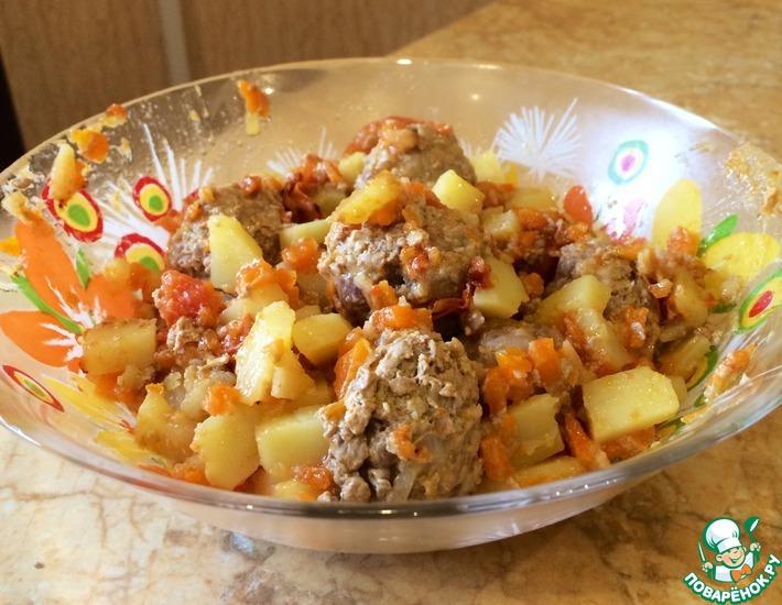 Рецепт: Тефтели с картошкой по-домашнему