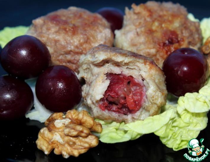 Рецепт: Тефтели с вишней и орехами