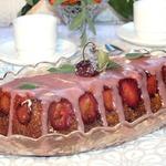 Морковный кекс с малиновой глазурью
