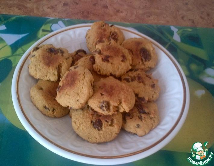 Рецепт: Печенье из кукурузной муки с изюмом