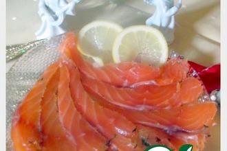 Рецепт: Лосось малосольный По-норвежски и соус к нему