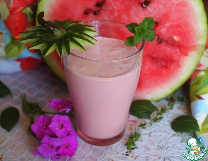 Рецепт: Молочный коктейль с арбузом и мятой