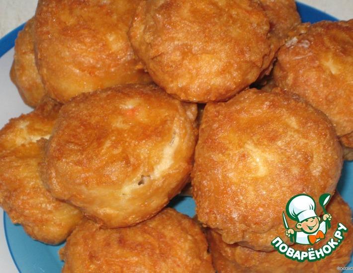 Рецепт: Сырные пончики с крабовыми палочками