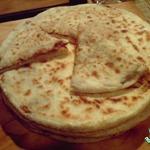 Лобиани, хлеб с фасолью