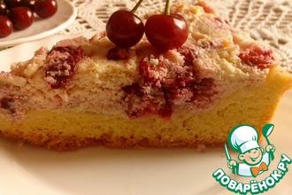 Рецепт: Пирог с вишней и творожным кремом