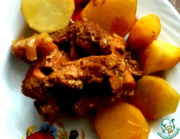 Рецепт: Томленая картошечка со свининой в медово-соевом соусе