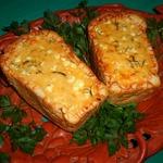 Сырно-овощной жюльен в белом хлебе