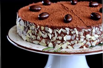Рецепт: Шоколадно-миндальный торт Амаретто