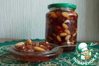 Рецепт: Варенье из винограда с миндальным орехом