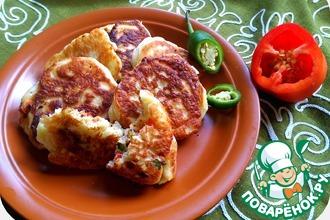 Рецепт: Оладушки на дрожжах с сырной пряной начинкой
