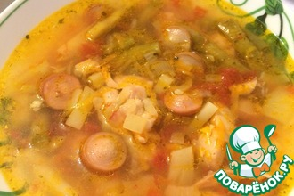 Рецепт: Суп курино-сосисочный с молодой стручковой фасолью