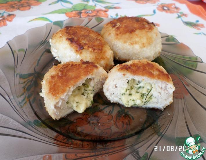 Рецепт: Куриные котлеты с сыром в мультиварке