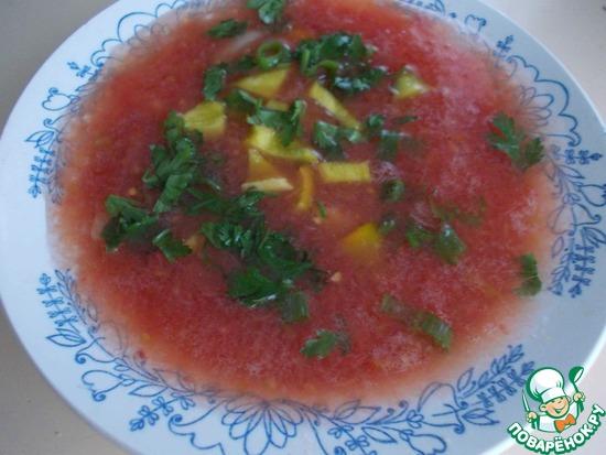 томатный холодный суп с овощами