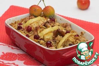 Рецепт: Овсянка с яблоками, клюквой и грецкими орехами