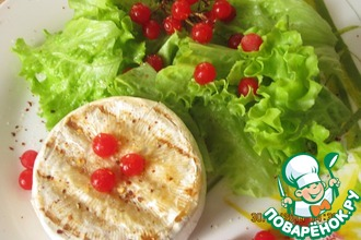 Рецепт: Салат с сыром Бри и калиной