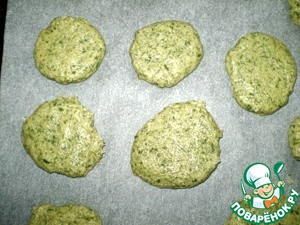 """With the shape of the cookie too easily. You can pinch off, you can spoon to take pieces, roll them into a ball, flatten and lay on a baking tray lined with baking paper. Cookies when baking almost does not increase, so place it on a baking sheet in any dense order.   Bake in a preheated 180 oven for 20-25 minutes. Much """"fry"""" not worth it. Slightly olive color would be sufficient."""