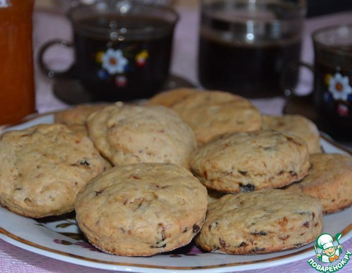 Рецепт: Лепешки-сконы с имбирем и черносливом
