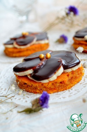 Рецепт Тыквенные пирожные с бананом под шоколадной глазурью