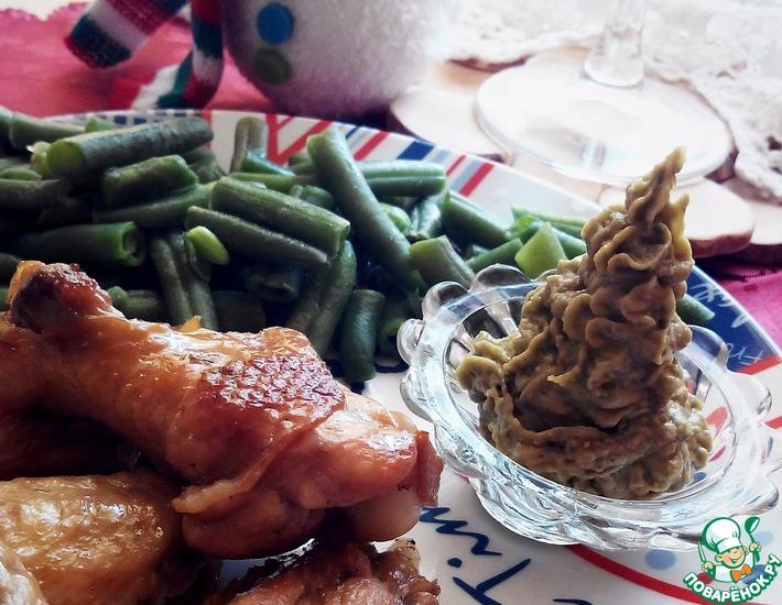 Рецепт: Обжигающие крылышки с соусом из авокадо